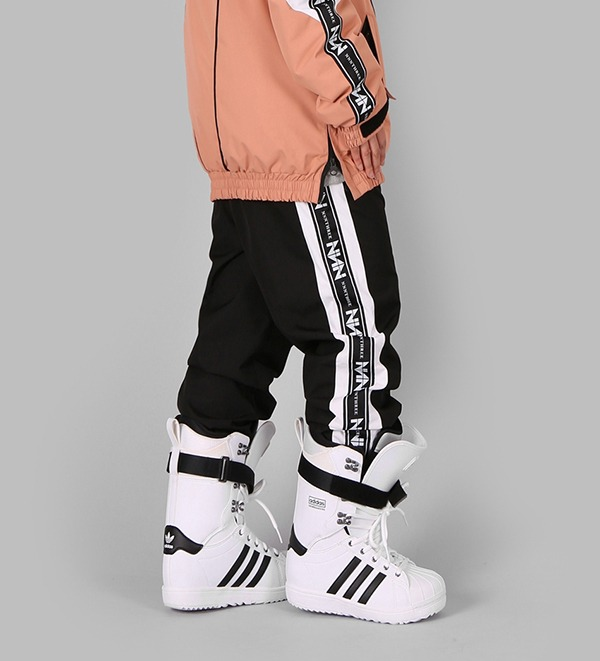 2021 NNN - Line Jogger - COLLECTION